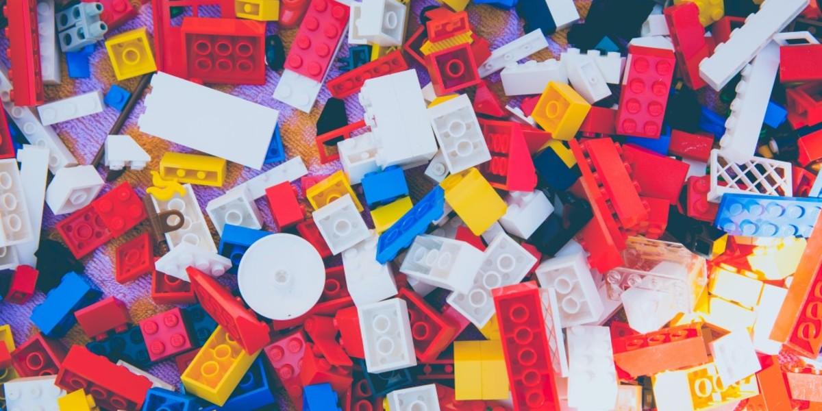 A colorful pile of legos