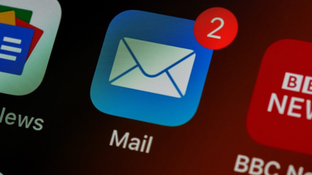 An email icon showing two unread messages.